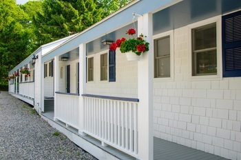 MOTEL STYLE LODGING OPTION EXTERIOR
